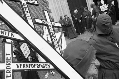 BELGIUM. Veurne (West Vlaanderen). 29/07/2012: Penitent's Procession.